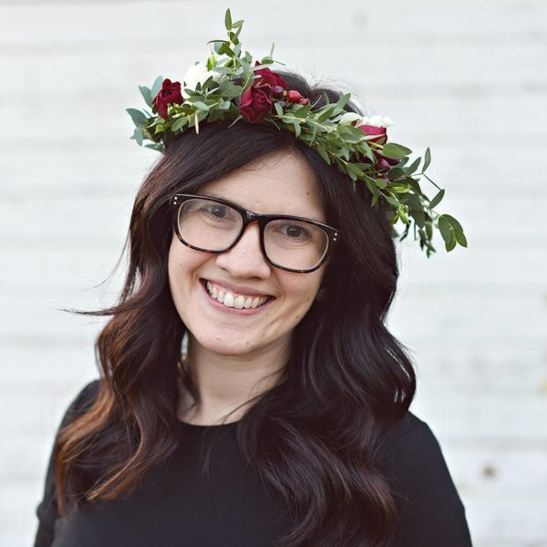 Here's How To Actually Create A Beautiful Flower Crown