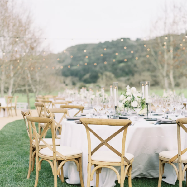 How to Design Your Wedding Dinner Without Breaking The Bank