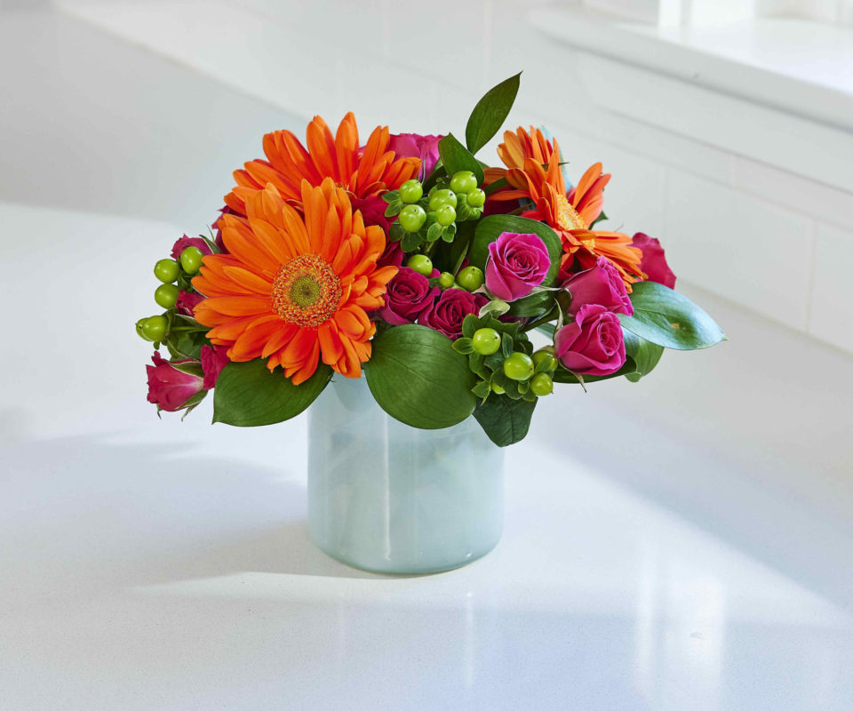 Virtual Flower Arranging with Alice's Table